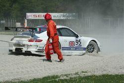 #95 James Watt Automotive Porsche 997 GT3 RSR: Paul Daniels, Dave Cox en difficulté