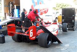 Sierra Sierra team refuels Raphael Matos' car
