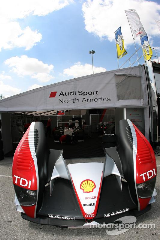 Le garage de l'équipe Audi Sport North America