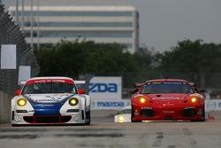 #71 Tafel Racing Porsche 911 GT3 RSR: Wolf Henzler, Robin Liddell, #62 Risi Competizione Ferrari 430