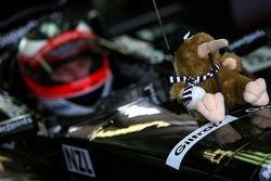 La mascotte porte bonheur de Jonny Reid, pilote A1 Equipe de Nouvelle Zélande