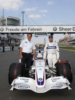 Dr. Mario Theissen, BMW Sauber F1 Team, BMW Motorsport Direktör ve Nick Heidfeld, BMW Sauber F1 Team