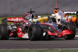 Pedro de la Rosa, McLaren Mercedes, Nelson A. Piquet, Renault F1 Team