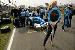 La A1 Team Italie Lola A1GP d'Enrico Toccacelo sur la grille avant le début de la finale de A1 GP à