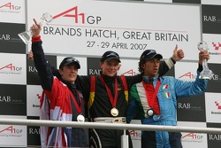 Podium: Robbie Kerr, Driver of A1Team Great Britain, Nico Hulkenberg, Driver of A1Team Germany and E