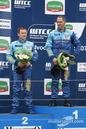 Nicola Larini, Team Chevrolet, Chevrolet Lacetti e Alain Menu, Team Chevrolet, Chevrolet Lacetti