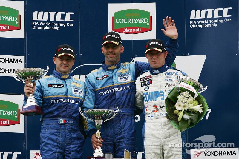 Nicola Larini, Chevrolet; Alain Menu, Chevrolet; Luca Rangoni, Proteam Motorsport