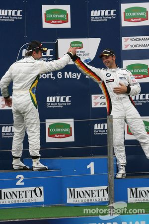 Augusto Farfus, BMW Team Germany, BMW 320si WTCC et Jorg Muller, BMW Team Germany, BMW 320si WTCC