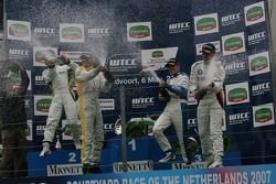 Course 2, Podium, Augusto Farfus, BMW Team Germany, BMW 320si WTCC, Augusto Farfus, BMW Team Germany