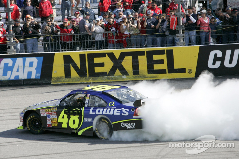2007, Richmond 1: Jimmie Johnson (Hendrick-Chevrolet)