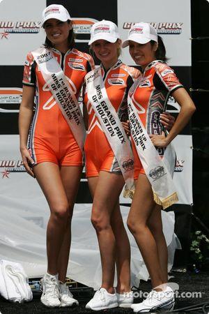 Podium: de jolies jeunes femmes Champ Car