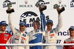 Podium LMP1: les vainqueurs Pedro Lamy and Stéphane Sarrazin