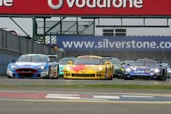 Start: #5 Carsport Holland Corvette C6R: Jean-Denis Deletraz, Mike Hezemans, #33 Jetalliance Racing Aston Martin DBR9: Karl Wendlinger, Ryan Sharp battle for the lead