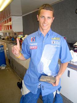Vainqueur Dane Cameron a gagné le premier trophée de cristal du début de week-end
