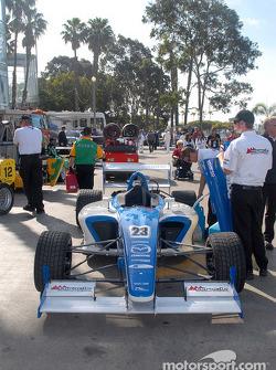 Jonathan Bomarito's car returns to paddock