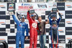 Podium: Cristiano da Matta rejoint la vainqueur Raphael Matos, Jonathan Bomarito et Robert Wickens
