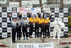 P2 podium: class and overall winners Romain Dumas and Timo Bernhard, with second place Sascha Maasse