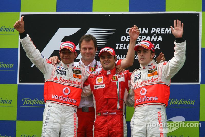 8- GP de España 2007 (24 años, 8 meses y 22 días): 3º Fernando Alonso, 2º Lewis Hamilton, 1º Felipe Massa