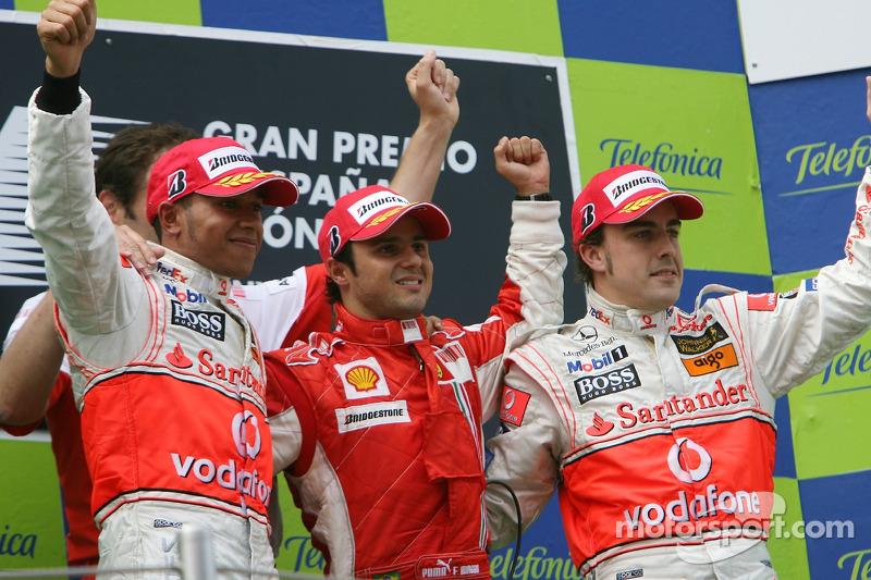Podyum: Yarış galibi Felipe Massa ve Lewis Hamilton ve Fernando Alonso