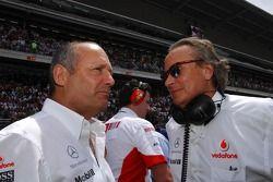 Ron Dennis, McLaren, Team Principal, Chairman, dan Mansour Ojeh, Direktur Komersial TAG McLaren