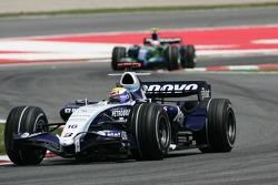 Nico Rosberg, WilliamsF1 Team, FW29 devant Rubens Barrichello, Honda Racing F1 Team, RA107
