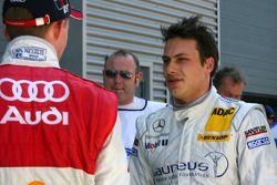 Gary Paffett, Persson Motorsport AMG Mercedes, parle avec Mattias Ekström, Audi Sport Team Abt Sport