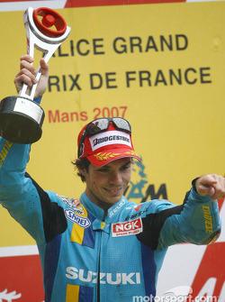 Podio: ganador de la carrera Chris Vermeulen celebra