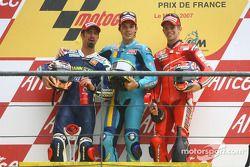 Podium: winnaar Chris Vermeulen, tweede Marco Melandri, derde Casey Stoner