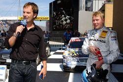 Mika Hakkinen, l'équipe HWA Mercedes AMG, AMG Mercedes C-Klasse et animateur de télévision Claus Lufen