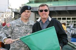 Staff Sgt. Patrick Shannon, 76e Brigade d'infanterie, Indiana Garde nationale pose avec Johnny Ruthe