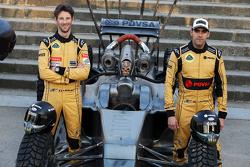 Romain Grosjean et Pastor Maldonado avec la F1 Mad Max