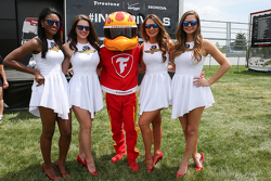 Les charmantes Indianapolis Motor Speedway Girls
