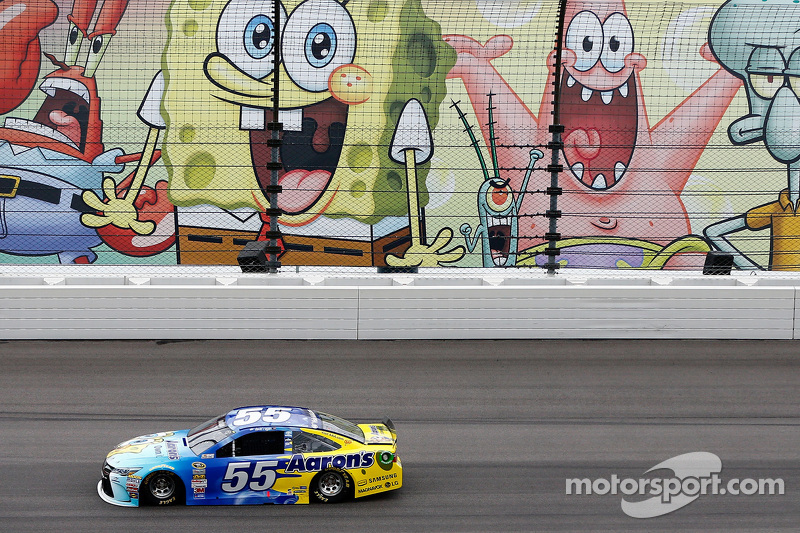 9. David Ragan e Bob Esponja no Kansas