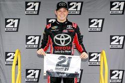 Ganador de la pole Erik Jones, Kyle Busch Motorsports Toyota