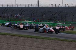 El inicio de la carrera: Jack Harvey, Schmidt Peterson Motorsports, va por delante