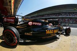 Romain Grosjean, Lotus F1 E23 deja los pits