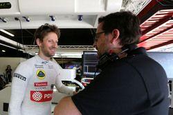 Ромен Грожан, Lotus F1 Team и гоночный инжинер Жульен Симон-Шотемп