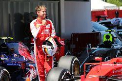 Себастьян Феттель, Ferrari празднует свою третью позицию в квалификации в закрытом парке
