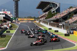 Start: Esteban Ocon, ART Grand Prix leidt Luca Ghiotto, Trident en Emil Bernstorff, Arden Internatio