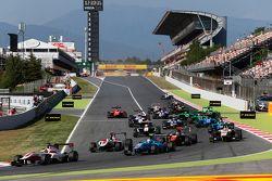 Start: Alfonso Celis Jr., ART Grand Prix leidt Matheo Tuscher, Jenzer Motorsport en Marvin Kirchhofe