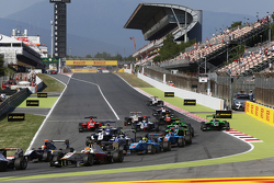Start: Alex Palou, Campos Racing llidera aMitch Gilbert, Carlin and Pal Varhaug, Jenzer Motorsport