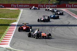 Luca Ghiotto, Trident leads Emil Bernstorff, Arden International