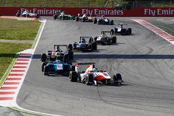 Alfonso Celis Jr., ART Grand Prix leads Matheo Tuscher, Jenzer Motorsport
