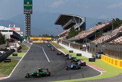 Alex Fontana, Status Grand Prix leads Ralph Boschung, Jenzer Motorsport and Matthew Parry, Koiranen