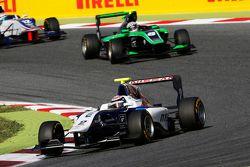 Jann Mardenborough, Carlin leads Alex Fontana, Status Grand Prix and Matthew Parry, Koiranen GP