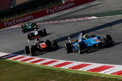 Pal Varhaug, Jenzer Motorsport, leidt Oscar Tunjo, Trident