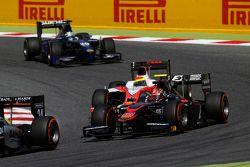 Nobuharu Matsushita, ART Grand Prix leads Sergio Canamasas, MP Motorsport