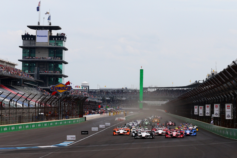 Départ : Will Power, Team Penske Chevrolet mène
