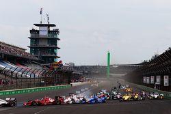 Start: Scott Dixon, Chip Ganassi Racing Chevrolet, spin atıyor