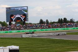 Luca Filippi, CFH Racing Chevrolet and Simon Pagenaud, Team Penske Chevrolet